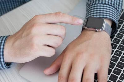 Cách phóng to nội dung trên màn hình Apple Watch để dễ nhìn hơn