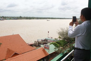 Local authorities stop sea-encroaching projects, take back land
