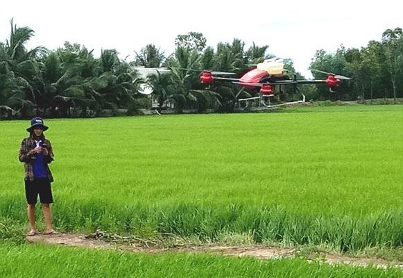 máy bay không người lái,long an,nông dân làm giàu