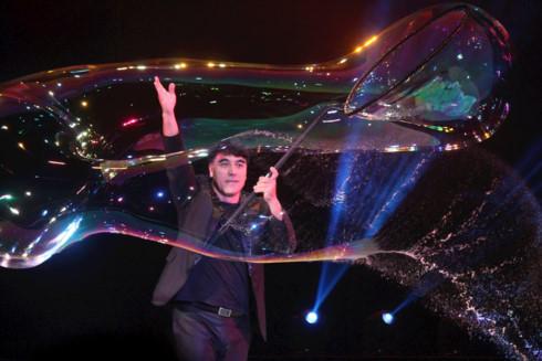 Bubble artist Fan Yang set for HCM City performance