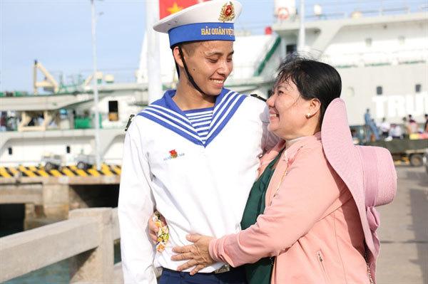Joyful reunions across the sea
