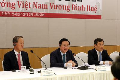 Việt Nam thúc đẩy hình thức thanh toán mới, giảm thiểu dùng tiền mặt