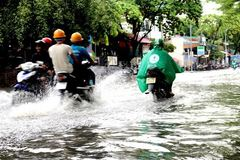 Combating floods in HCMC: high budget, low efficiency