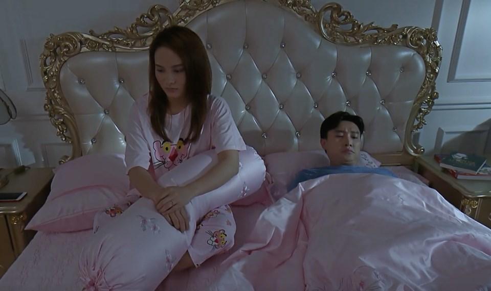 'Về nhà đi con' tập 50, Thư và Vũ chính thức ngủ chung giường
