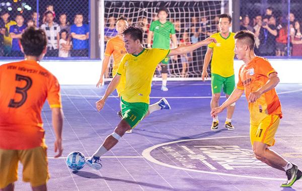 bóng đá đường phố,Rio Ferdinand,Roberto Carlos