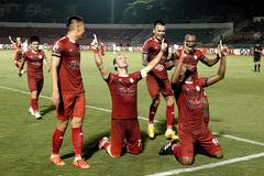 CLB TPHCM ôm mộng lớn V-League: Mua Quang Hải đi rồi tính