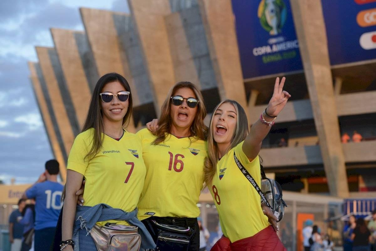 Bóng hồng đốt cháy khán đài Copa America 2019