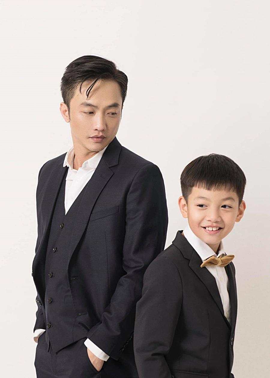 Hồ Ngọc Hà hạnh phúc ôm con trai Subeo trong ngày sinh nhật