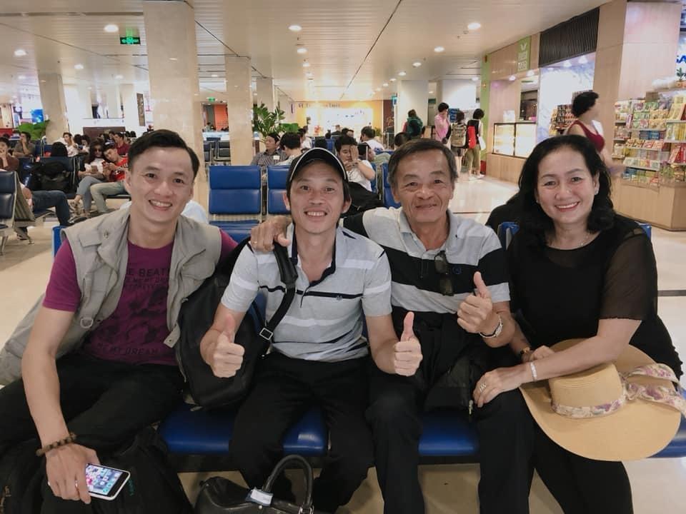 Vợ Việt Anh đăng ảnh tươi cười bên con trai giữa ồn ào ly hôn