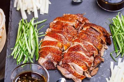 Bỏ gần 400 USD thưởng thức vịt quay Bắc Kinh thượng hạng