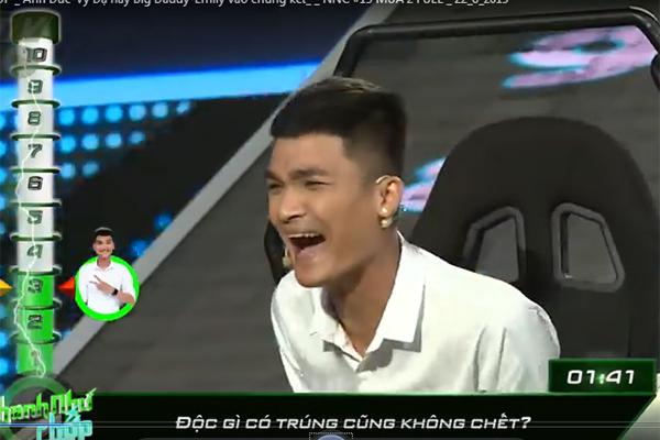 Cười sảng khoái xem Mạc Văn Khoa 'lầy lội' trả lời ở 'Nhanh như chớp'