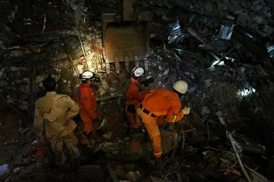 Sập nhà cao tầng ở Campuchia, hàng chục người chết và bị thương
