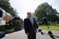Ông Trump nói kinh tế Iran 'hỏng nặng', dọa áp trừng phạt mới