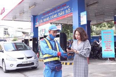 PVOIL 'thông tuyến' giao dịch điện tử với 16 ngân hàng