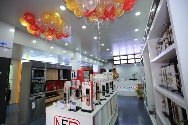 Vạn Phước Thịnh khai trương showroom phụ kiện nội thất