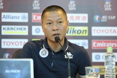 HLV Hà Nội ủng hộ Văn Hậu sang châu Âu thi đấu