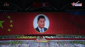 Xem cách 'hoành tráng' Kim Jong Un đón tiếp ông Tập Cận Bình