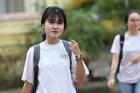 Thí sinh Hà Nội làm thủ tục dự thi trong tiết trời dịu mát
