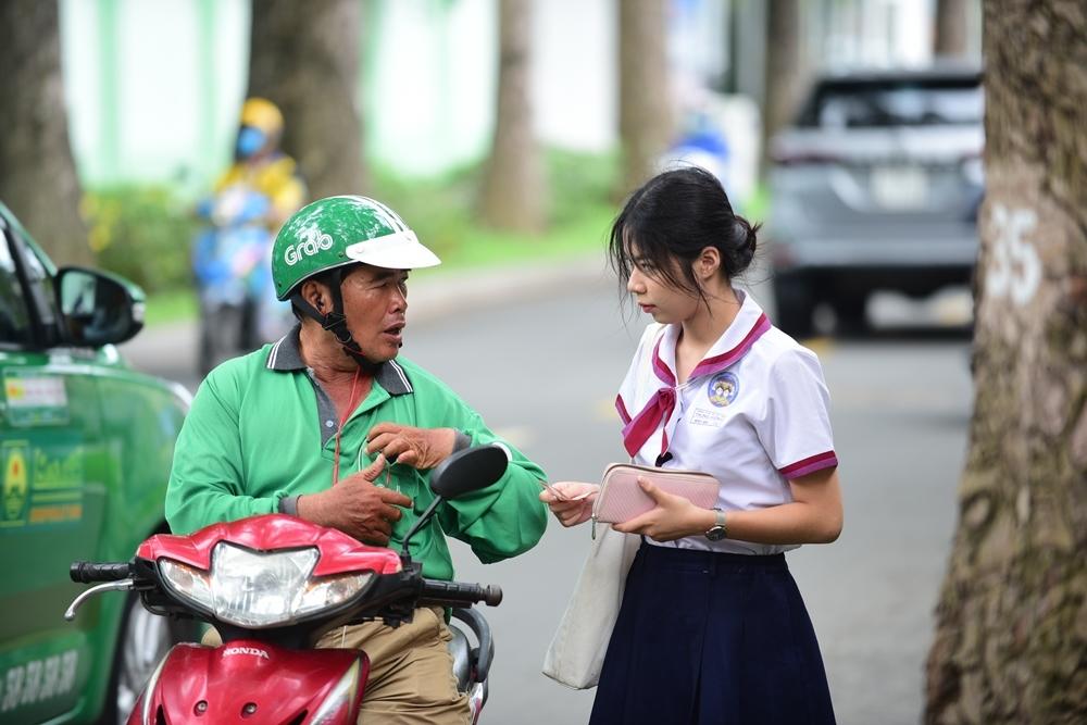 Sĩ tử Sài Gòn rạng rỡ đến trường thi