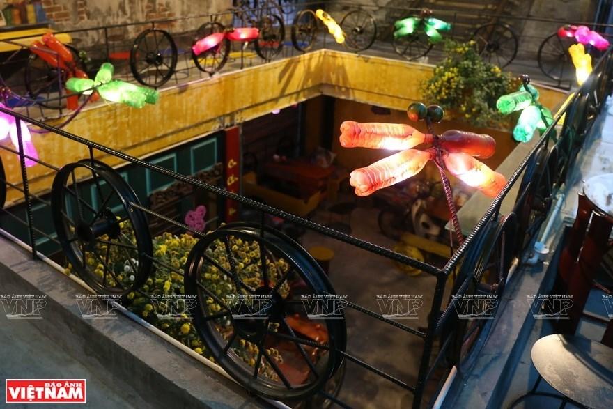 Hang Tre street,cafe of recycled stuff in hanoi,travel news,Vietnam guide,Vietnam tour,travelling to Vietnam,Vietnam travelling,Vietnam travel,vn news,vietnamnet news