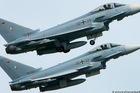 Hai máy bay chiến đấu Đức đâm nhau giữa trời