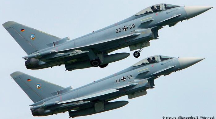 máy bay chiến đấu,Đức,chiến đấu cơ,đâm nhau