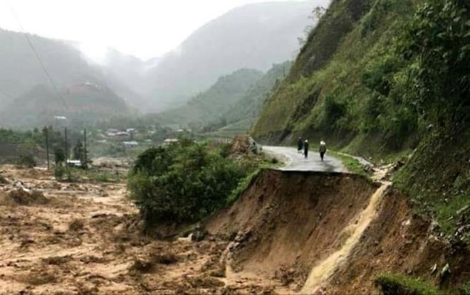 Lai Chau: Four people swept away by flash floods