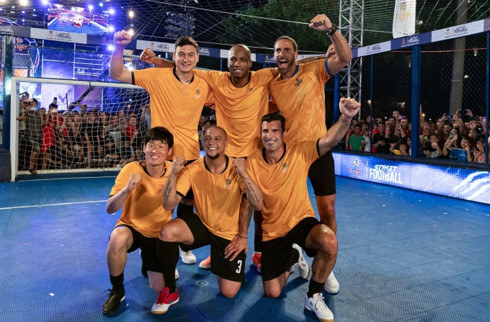 Van Lam plays with football icons during Tiger Street Football 2019