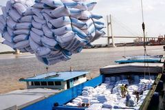 Vietnam still faces rice export difficulties