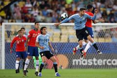 Chile 0-0 Uruguay: Suarez bỏ lỡ (H1)