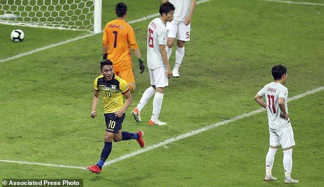 Nhật Bản vs Ecuador