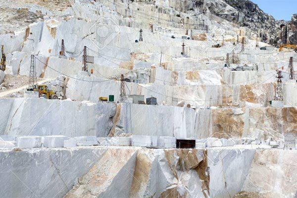 Bên trong những dãy núi 'vàng trắng' trị giá tỷ đô