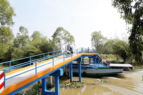 Tái chế nắp chai bia để xây cầu, HEINEKEN VN hướng đến 'xóa' chất thải chôn lấp