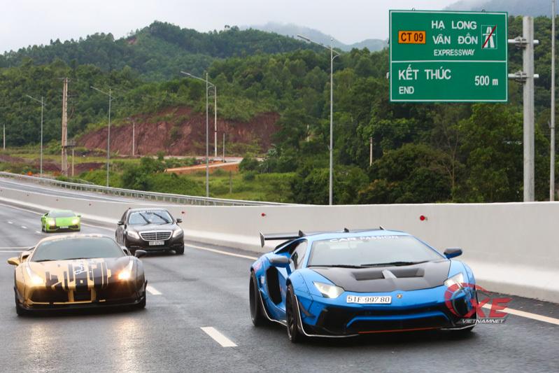 Doanh nhân Vũng Tàu nâng niu siêu bò Lamborghini Aventador hết mực