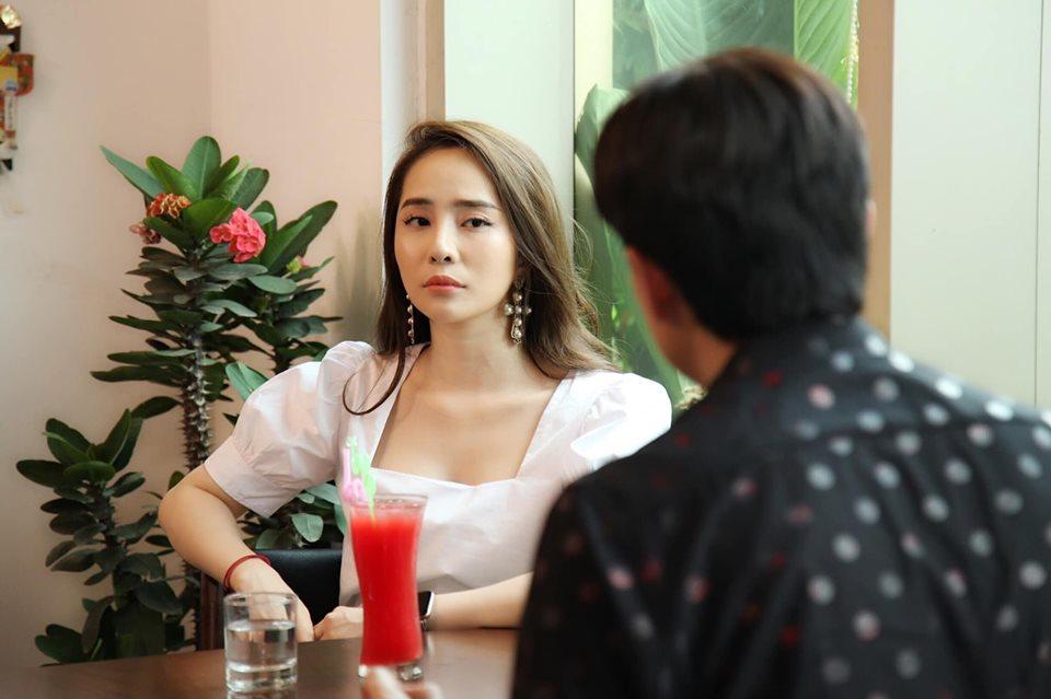 Nhan sắc nữ diễn viên vào vai phá đám cuộc tình Thư - Vũ trong 'Về nhà đi con'