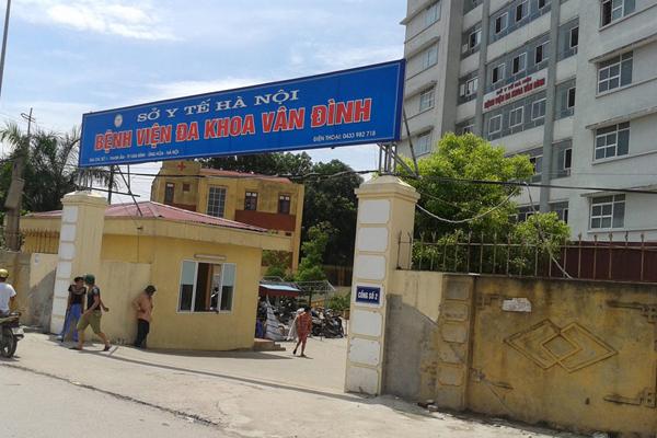 Bé trai ở Hà Nội tử vong do BV chẩn đoán sai, chuyển tuyến muộn?