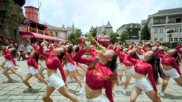 Lộ diện 4 đội lọt vào vòng chung kết cuộc thi nhảy Flashmob 2019