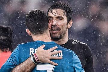 Buffon gây sốc khi trở lại khoác áo Juventus