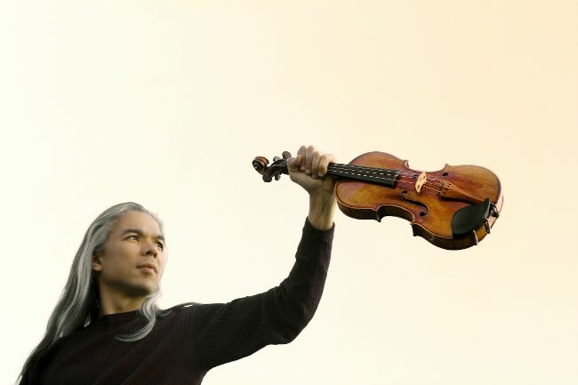 Violinist Stephane Tran Ngoc to play again in Saigon