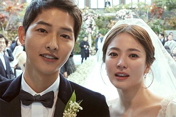 Cặp đôi Song Hye Kyo và Song Joong Ki ly hôn khiến cộng đồng mạng bất ngờ.