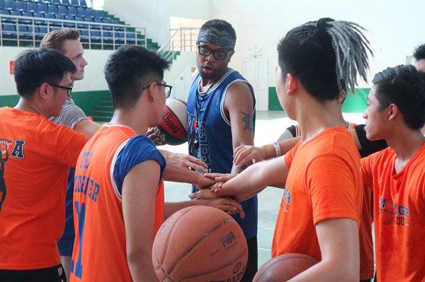 Vietnamese hoop dreams with Moe Ager