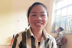 Vợ Tàng Keangnam may vá thành thạo, nhớ nhất mẹ chồng khi ở trong trại giam