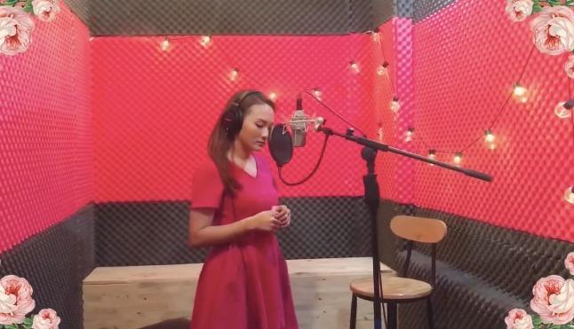 Bảo Thanh thu âm ca khúc nhạc phim 'Về nhà đi con' để tặng Mẹ