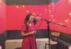 Bảo Thanh vừa khóc vừa hát ca khúc nhạc phim 'Về nhà đi con'