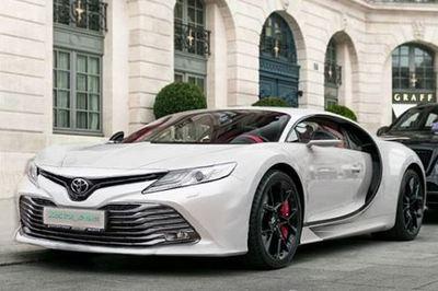 """Kỳ lạ Bugatti Chiron """"độ"""" đầu Toyota Camry 2019"""