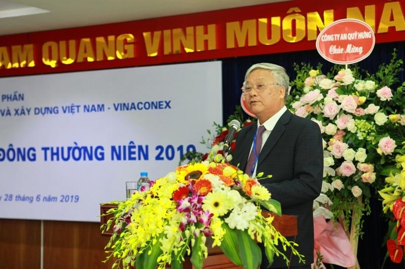 Chủ tịch Vinaconex: 'Công ty không phải bố làm chủ tịch, vợ làm thủ quỹ'