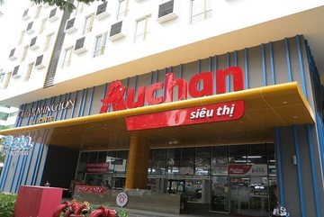 Saigon Co.op takes over 18 Auchan supermarkets