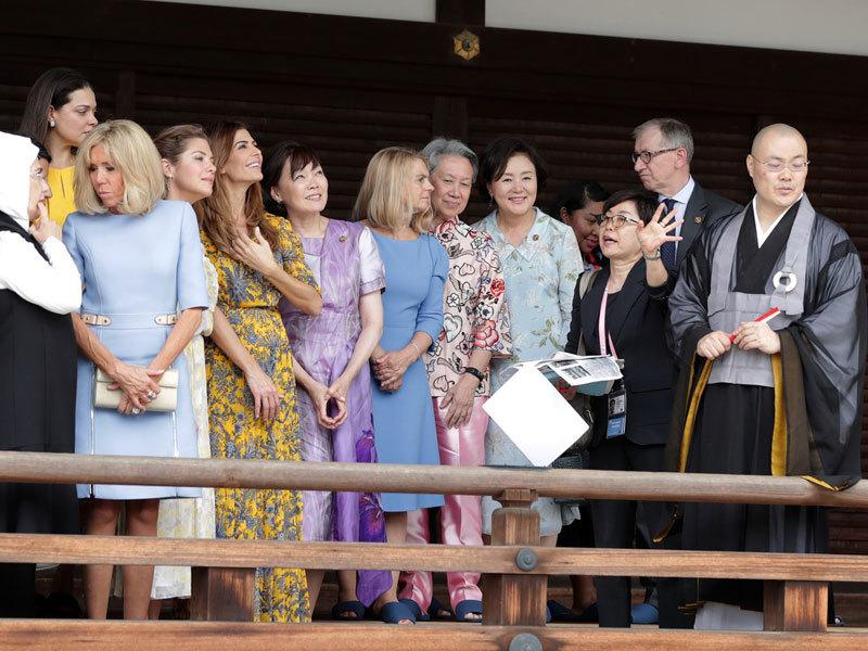 Bạn đời các lãnh đạo dự Hội nghị G20 đi vãn cảnh chùa