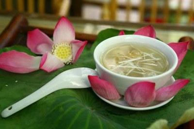 Cách làm chè nhãn hạt sen thơm ngào ngạt