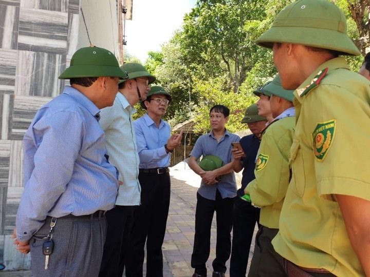Cháy rừng lớn nhất Hà Tĩnh, hối hả di dời cột bơm cây xăng